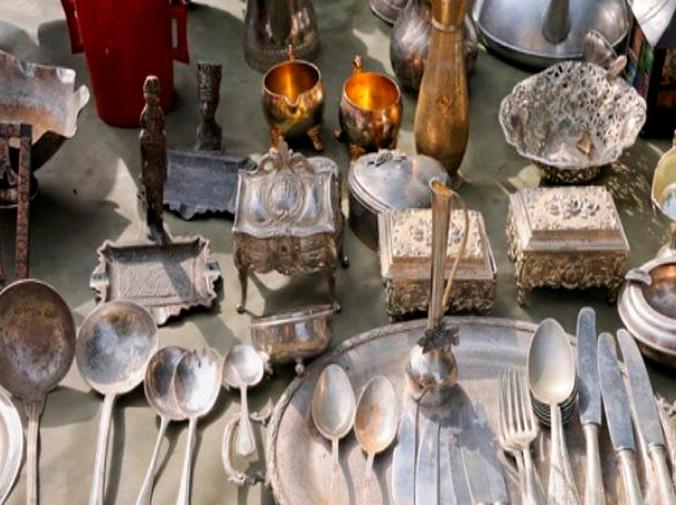 Cómo restaurar piezas antiguas de metal en casa