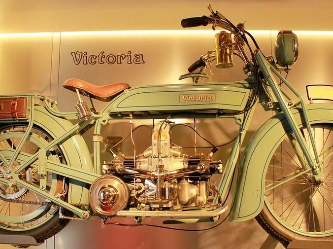 Las ventajas de restaurar una moto clásica